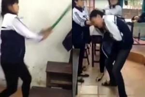 Tin tức Việt Nam - Clip: Nữ sinh dùng chổi đánh liên tiếp vào mặt nam sinh