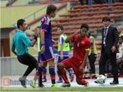 Ảnh bóng đá - người đẹp - Hậu vệ U23 Nhật Bản đánh nguội cầu thủ U23 Việt Nam