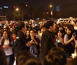 Bảo vệ Hàn Quốc xô đẩy, quát tháo fan Việt