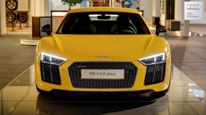 Ô tô - Xe máy - Audi R8 V10 Plus màu vàng nổi bần bật tại Đức