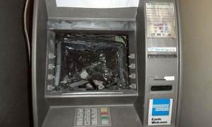An ninh Xã hội - Truy bắt nhóm người nước ngoài phá máy ATM, trộm tiền