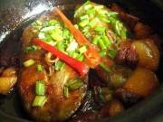 Ẩm thực - Bữa tối nóng hổi với cá kho thịt ba chỉ thơm ngậy