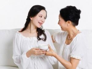 Bạn trẻ - Cuộc sống - Mẹ chồng xin phép cho con trai bà được ngoại tình