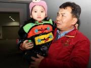 Tin tức trong ngày - Bé 3 tuổi bị lạc tìm được bố mẹ vì nhớ số điện thoại