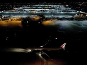 Thế giới - Ảnh: Ca đêm tại sân bay lớn nhất châu Âu