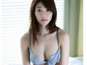 Làm đẹp - Học phụ nữ Nhật Bản cách nở ngực đầy đặn, quyến rũ