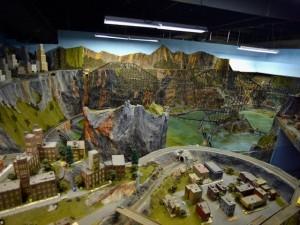 Phi thường - kỳ quặc - 'Choáng' với mô hình đường ray tàu hỏa lớn nhất thế giới