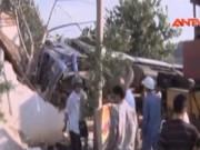 Video An ninh - Xe tải mất phanh tông sập nhà dân ở Lâm Đồng
