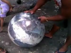 Video: Quả cầu lạ khiến dân Brazil hoảng sợ