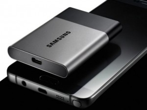 Công nghệ thông tin - Samsung trình làng ổ cứng di động SSD siêu nhỏ