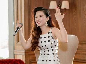 Đinh Hương kỷ niệm 3 năm đi hát