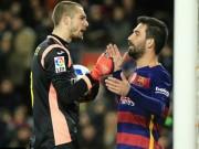 Bóng đá - Bị chơi xấu, Suarez suýt tẩn đối thủ, Enrique nổi cáu