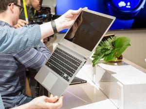 Thời trang Hi-tech - Samsung tung laptop Notebook 9 Series siêu mỏng, siêu nhẹ