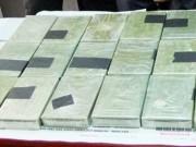 Video An ninh - CSGT Hòa Bình bắt nóng vụ vận chuyển 8 bánh heroin