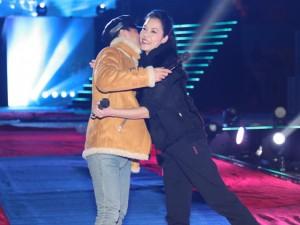 Ca nhạc - MTV - Sơn Tùng MTP ôm chặt Thu Phương ngày hội ngộ