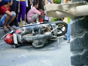 Tin tức trong ngày - 2 vợ chồng tử nạn dưới bánh xe ben, người thân khóc ngất
