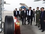 Tin tức trong ngày - Tìm nguyên nhân rách lốp máy bay Vietnam Airlines