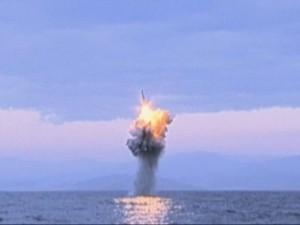 Triều Tiên tung video phóng tên lửa đạn đạo từ tàu ngầm