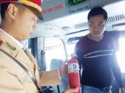 Tin tức trong ngày - Bắt buộc ô tô có bình cứu hỏa: Cả CSGT và tài xế đều lúng túng