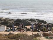 Tin tức trong ngày - Ba nam thanh niên chết đuối khi tắm biển