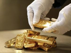 Thế giới - Phát hiện vàng trị giá hơn 100.000 USD dưới ghế máy bay