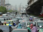 Hạn chế xe cá nhân: Vì sao 13 năm vẫn loay hoay?
