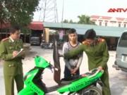 Video An ninh - Hai tên cướp nghiện game uy hiếp, trấn lột sinh viên