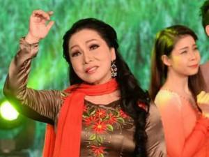 Ca nhạc - MTV - NSND Bạch Tuyết 70 tuổi vẫn trẻ trung, quyến rũ