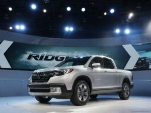 Ô tô - Xe máy - Chi tiết xe bán tải Ridgeline 2017 của Honda
