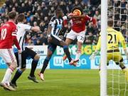 Bóng đá - MU mất oan 2 quả phạt đền ở St James' Park