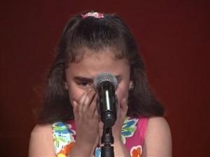 Rơi nước mắt nghe bé gái Syria hát  ' cho em hòa bình '