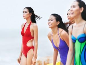 Bộ 3 quán quân Next Top Model gợi cảm với bikini