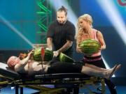 Thể thao - Kỷ lục quái đản: Lấy bụng làm thớt chặt dưa