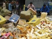 Thị trường - Tiêu dùng - 2,1 triệu bao thuốc lá lậu tuồn vào Việt Nam