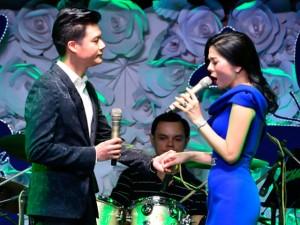 Ca nhạc - MTV - Quang Dũng tình tứ song ca với Lệ Quyên