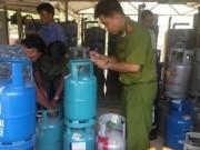 Thị trường - Tiêu dùng - Gas giả: Cuộc chiến luẩn quẩn