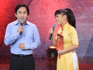 Kim Tử Long bối rối trước động tác hình thể của Việt Hương