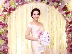 Trang Nhung lộng lẫy trong 'tiệc cưới 5 sao'