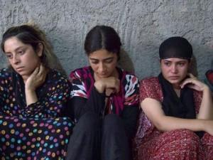 Thế giới - IS bày trò cưỡng bức 10 lần để... cải đạo phụ nữ
