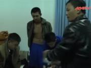 Video An ninh - HS lớp 12 giấu 10 chai sữa tắm chứa ma túy đá trong nhà