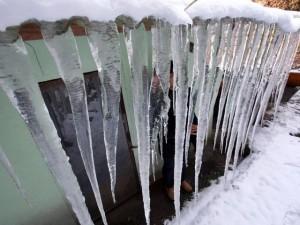 Thế giới - HQ: Ống nước đóng băng, đồng hồ nước vỡ vì lạnh giá