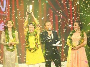 Huỳnh Lập trở thành quán quân 'Cười Xuyên Việt' 2015