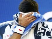 Thể thao - Mắc 100 lỗi tự đánh hỏng, Djokovic vẫn thoát hiểm