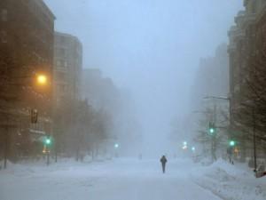 Mỹ tê liệt, 85 triệu người bị cầm chân vì bão tuyết