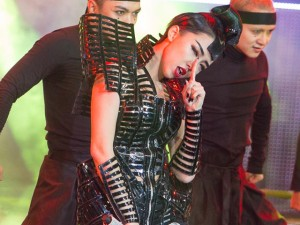 Ca nhạc - MTV - Tóc Tiên 'đốt' The Remix nóng rực bằng khố ngắn sexy