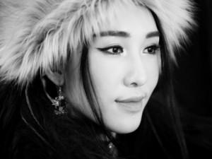 Emily và Hạnh Sino đẹp như nữ thần Tây Tạng
