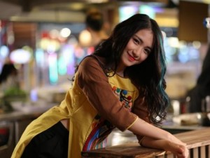 Ca nhạc - MTV - Hòa Minzy đỏng đảnh, gợi tình trong 'Ăn gì đây'