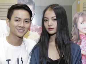 Con trai Hoài Linh ngại ngùng bên  ' bạn gái '