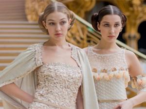 Thời trang - Bộ 3 hot girl Hollywood 'quậy tới bến' tại show Chanel