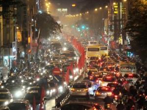 Tin tức trong ngày - Ảnh: Phố phường Hà Nội đông nghẹt những ngày giáp Tết